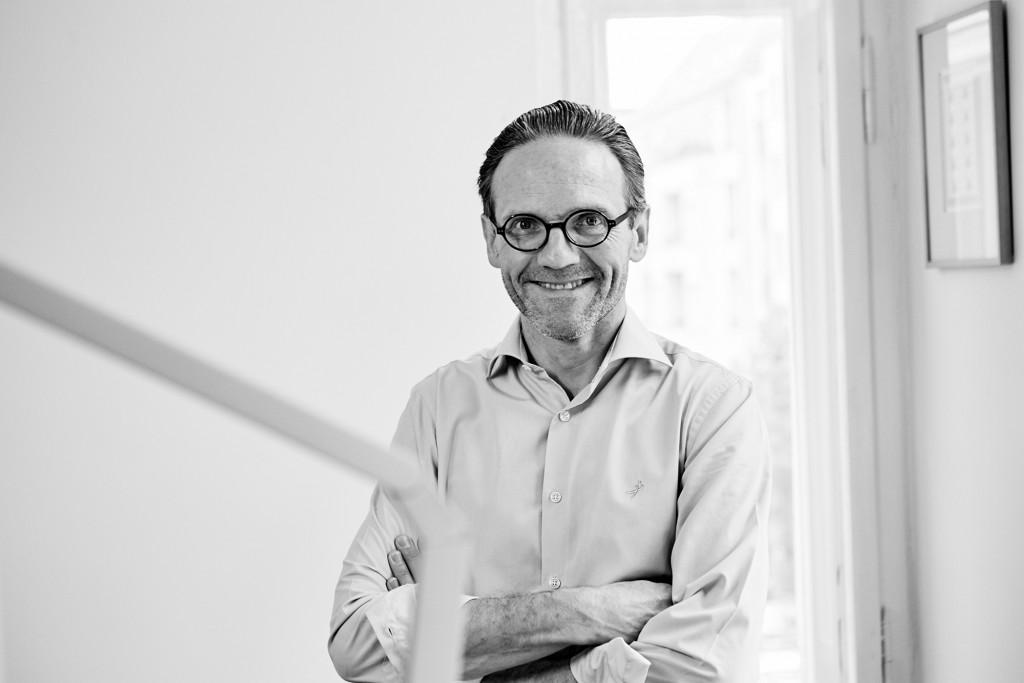 Axel Thoenneßen in seiner Kanzlei für Verkehrsrecht